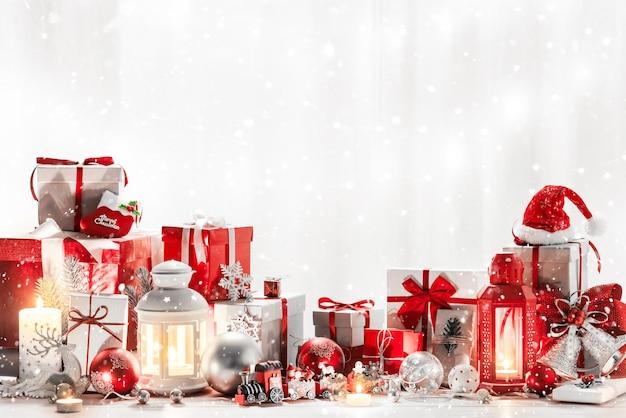 С рождеством христовым украшение для торжества с копией пространства.