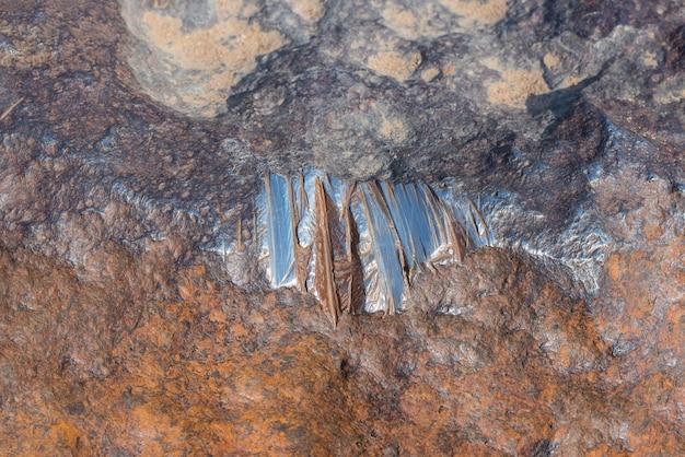 Met石の磨かれた輝く表面。高密度の重金属、主に鉄とニッケル、微量のコバルトで構成されています。閉じる。アフリカのナミビアのホバ。