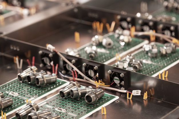 Metal components and microcircuits