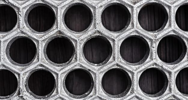 Металлическая решетка в форме кружков