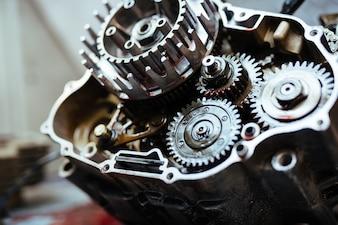 Metal Mechanism in Mechanics Garage