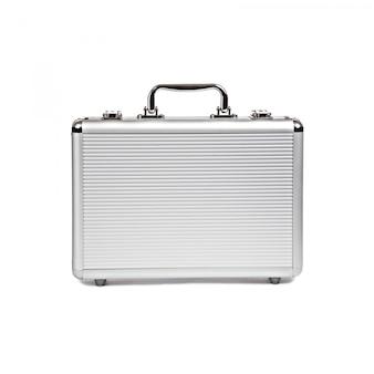 Металлический чемодан на белом фоне