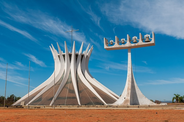 Метропольный собор бразилиа df brazil 14 августа 2008 г., архитектор оскар нимейер