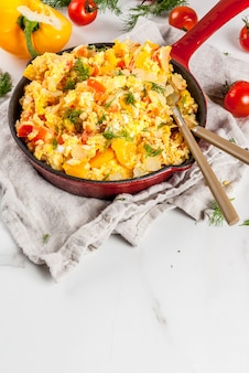Mexican food recipes, revoltillo de huevos, scrambled eggs a la dominicana