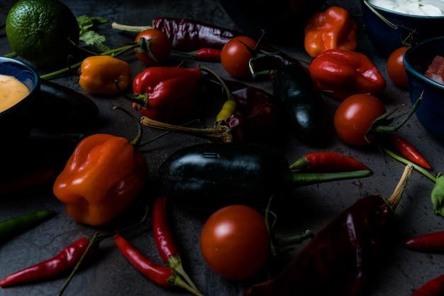 ナチョスのためのメキシコ料理の野菜