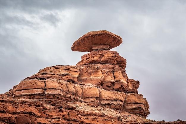 유타에서 멕시코 모자 암석