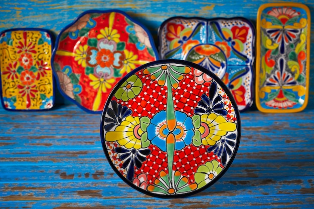 Mexican pottery talavera style of mexico