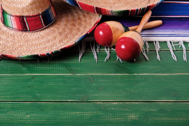 Mexico sombrero fiesta cinco de mayo wood background