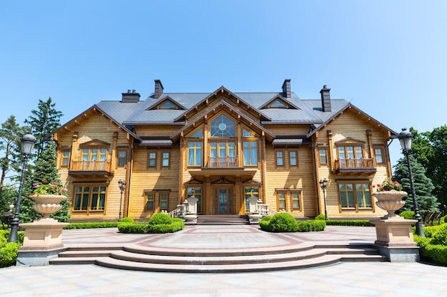 ヤヌコビッチのメスィヒリャー邸