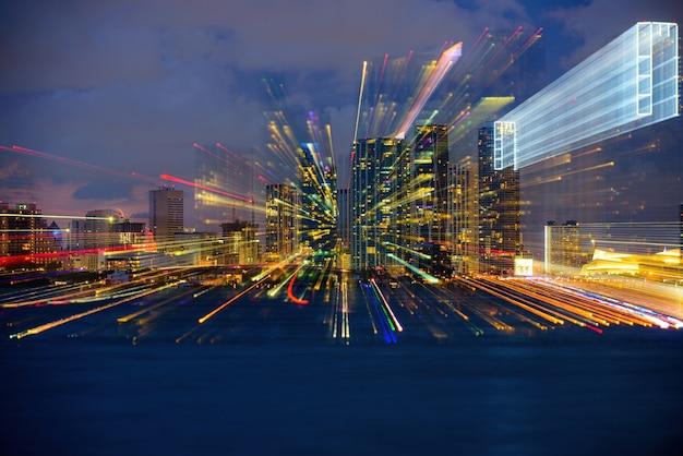 밤에 마이애미의 고층 빌딩, 사우스 비치. 마이애미 도시의 밤.
