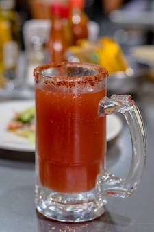 クラマトとメキシカンスタイルのタジンを使ったミチェラーダビール。