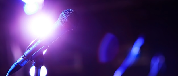 Microphone for concert singers