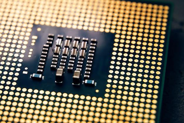 Концепция развития микропроцессорной технологии. крупный план компьютерного процессора микросхемы цп. выборочный фокус.