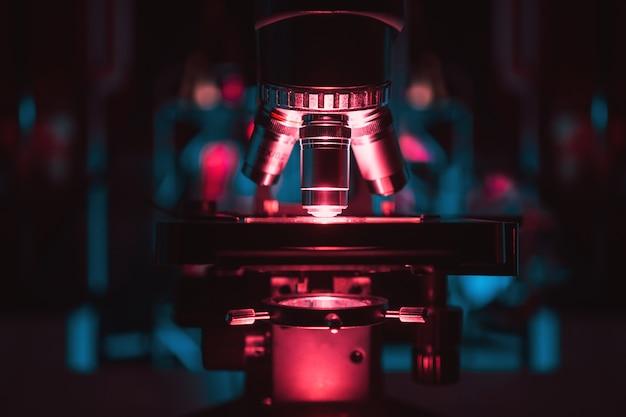 현미경. 과학. 연구.