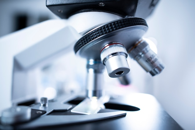 Микроскопы для исследователей в медицинских лабораториях