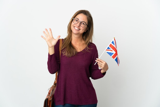 고립 된 영국 국기를 들고 중 년 브라질 여자