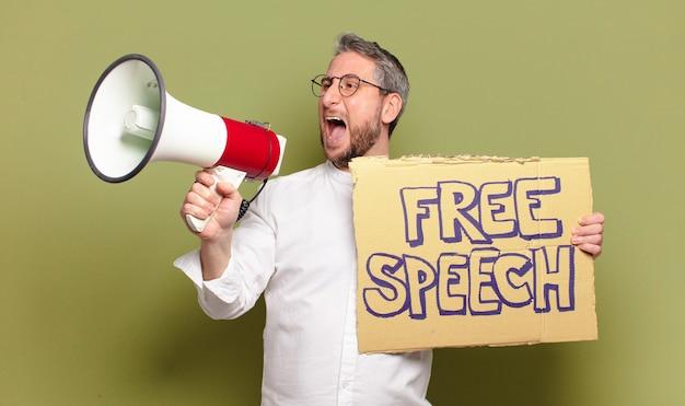 중년 남자. 자유 연설 개념