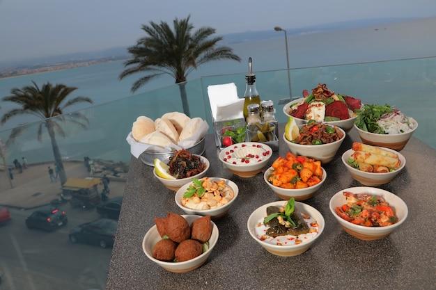 Ближневосточные или арабские блюда и ассорти мезе