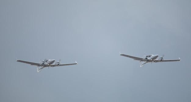 공중에서 군사 전투 무인 항공기입니다. 영공을 순찰하십시오.