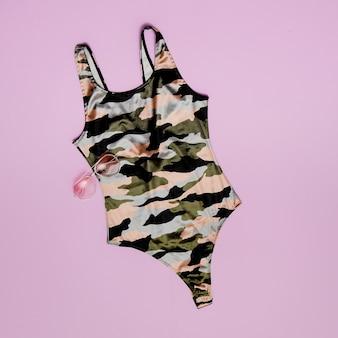 군용 수영복. 비치 패션 플랫 레이