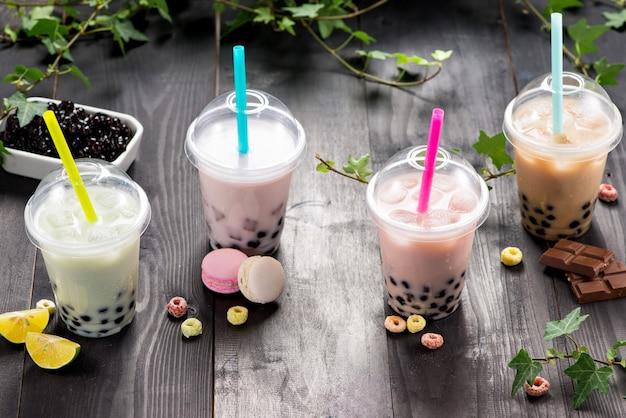 Чай milky bubble с жемчугом тапиоки в пластиковой чашке