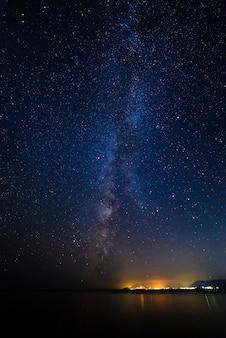 별이 빛나는 하늘에서 은하수
