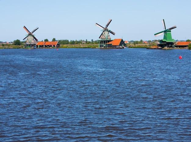 Мельницы в голландии, традиционная и непосредственная достопримечательность страны