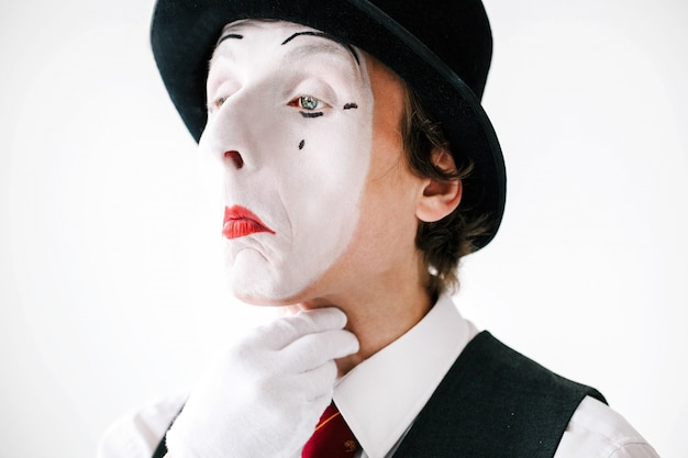 Mime has troubles with his throat