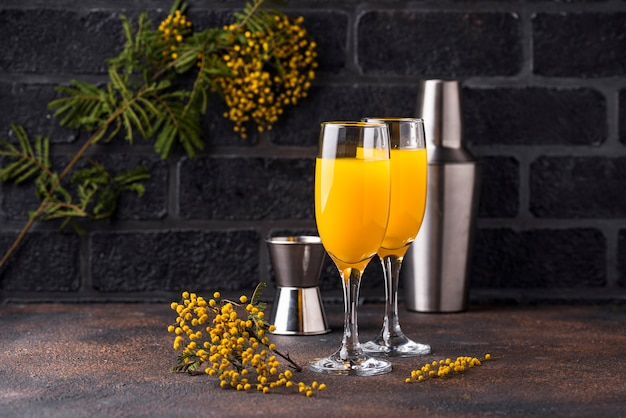 ミモザカクテルオレンジジュース