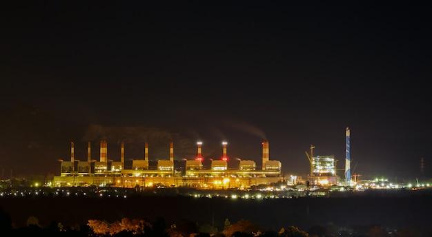 タイのマインメーモー石炭火力発電所。