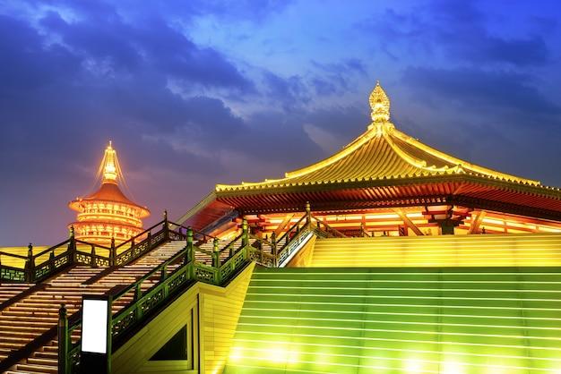 Mingtang은 당나라의 고대 건물이자 고대의 예배 장소입니다. 중국 낙양.