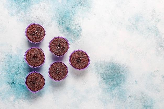 Мини-шоколадные кексы-суфле