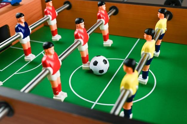プレーヤーとボールのミニフットボール、クローズアップ。高品質の写真