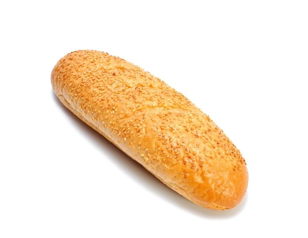Мини-багет французского хлеба с кунжутом, изолированные на белом фоне