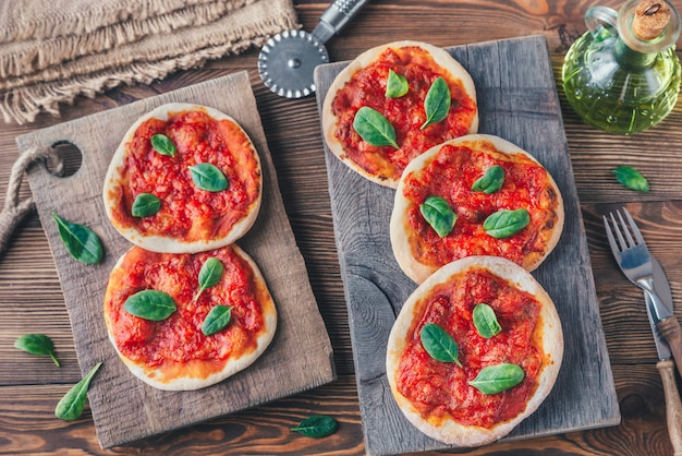 Mini margherita pizzas with red cheese