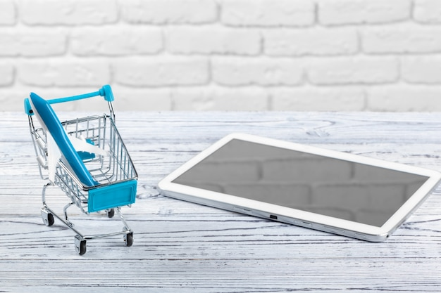 Mini market trolley with tablet