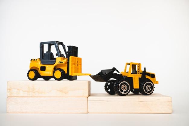 Miniature construction vehicle