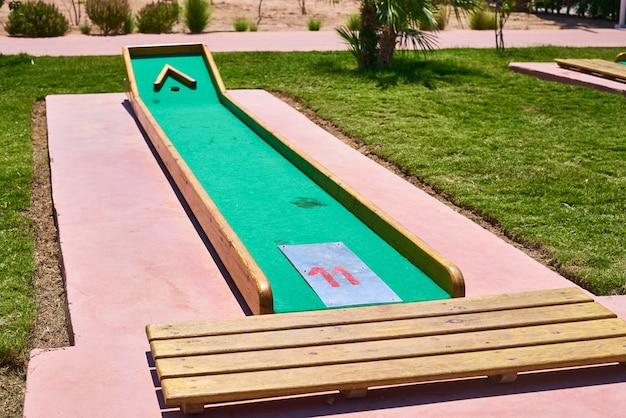 ホテルのミニチュアゴルフコース