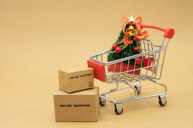 Miniature of online shopping order and shopping bags