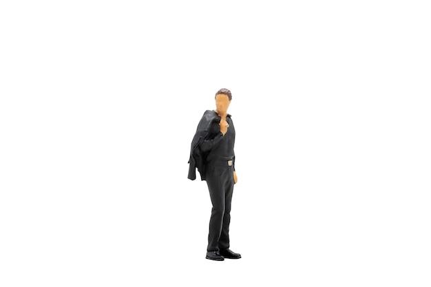 Миниатюрные люди бизнесмен стоя изолированные на белом фоне с обтравочный контур