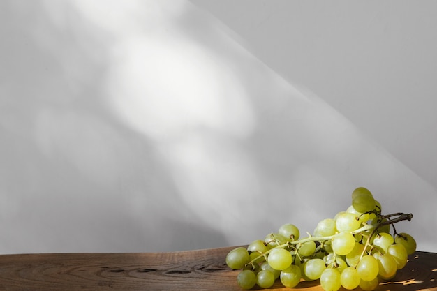 Minimal abstract grapes copy space Free Photo