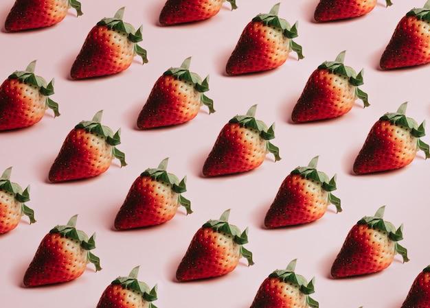 おいしいイチゴの最小限の繰り返しパターン