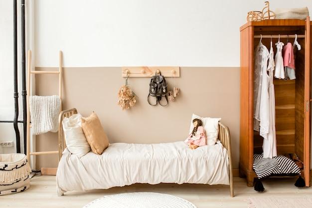 Минималистичный домашний интерьер, дизайн детской спальни в стиле бохо