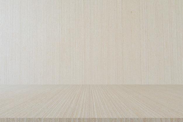 Минималистичный стиль лофт с белой деревянной стеной с перспективной столешницей для демонстрации дисплеев