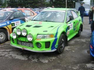 Зеленые mitsubishi ралли гоночный автомобиль