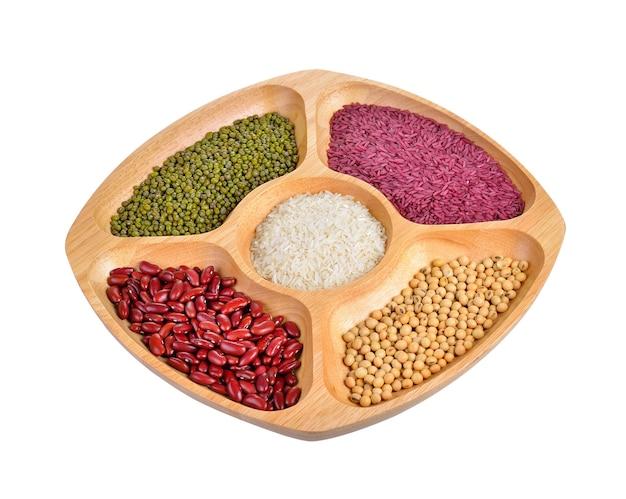 豆と白ご飯を混ぜる