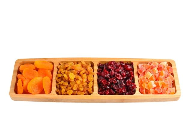 말린 과일과 견과류 믹스