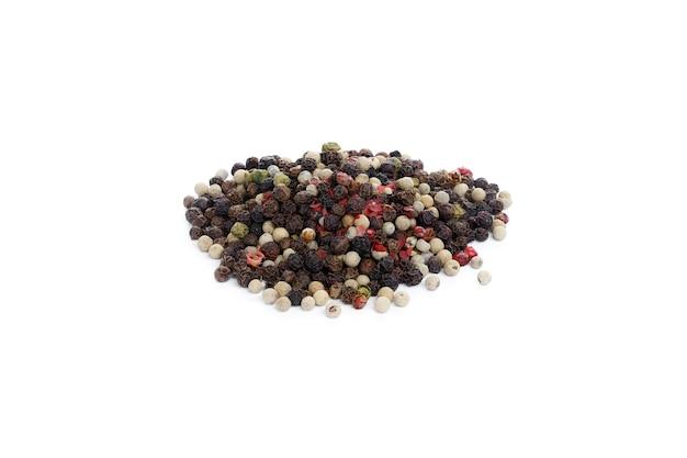 흰색 바탕에 흰색, 분홍색 및 검은 후추의 혼합. 고품질 사진