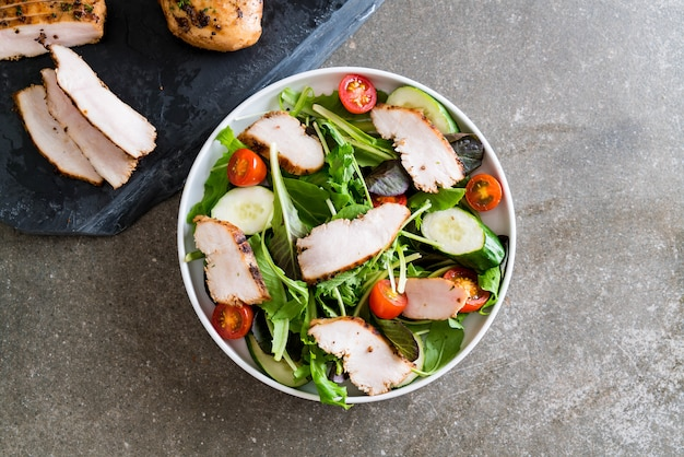 Mix salad with grilled chicken
