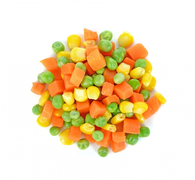 Mix of vegetable containing carrots, peas, and corn on white